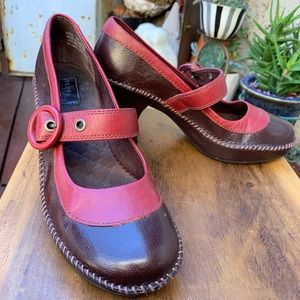 Indigo Brand Brown and Red Mary Jane Pumps Sz 7